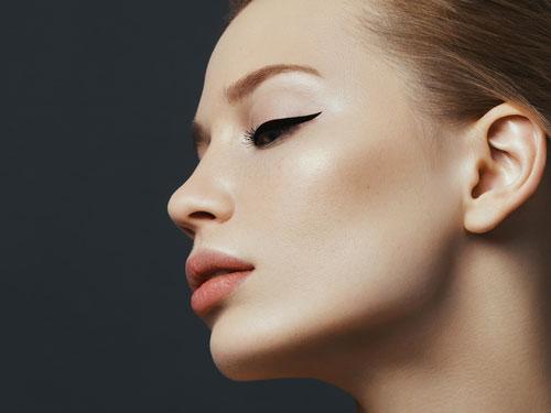 docteur adjadj ovale visage chirurgie plastique esthétique médecine menton graisse injection botox toxine botulique lifting cervico-facial lipofilling