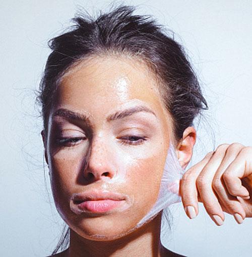 docteur adjadj chirurgie plastique médecine esthétique peeling gommage peau visage rajeunissement raffermissement cutané éclat beauté soins